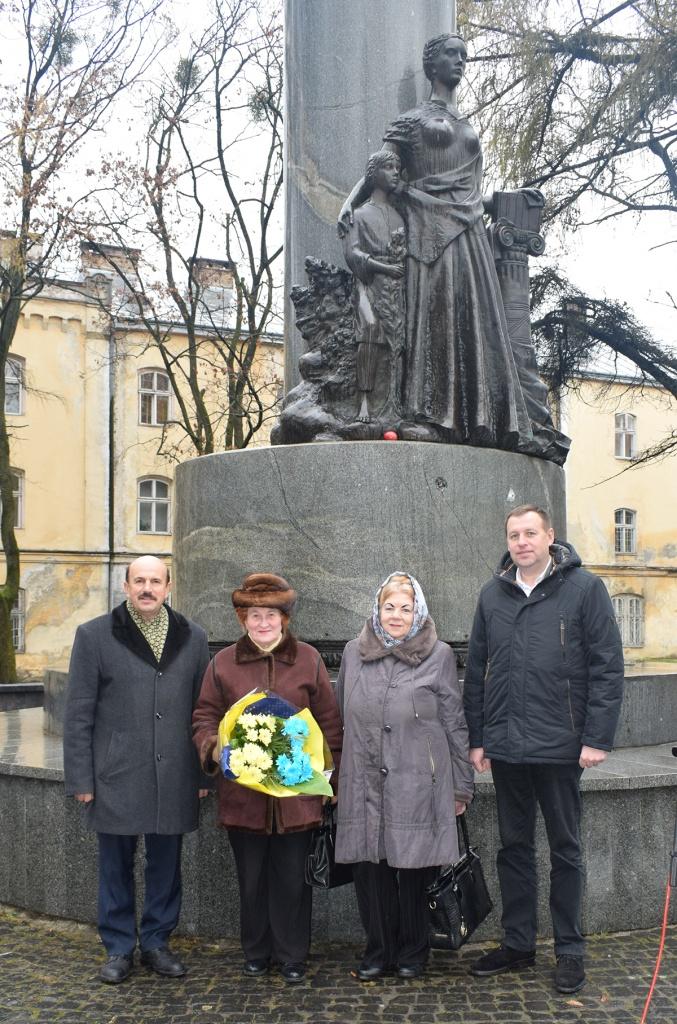 Пам'ятник «Просвіті»