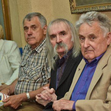 Так багато кумирів, геніїв і легенд зібрались в одній залі