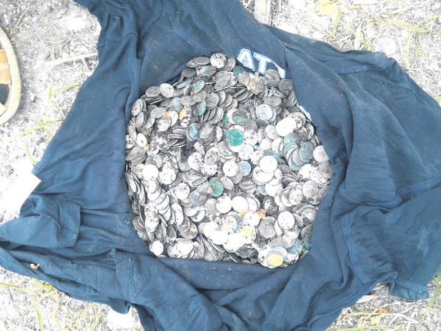 Срібний скарб викопали у Збаражі