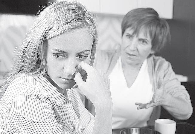 СВЕКРУХА, ТЕЩА, МАМА І КОНФЛІКТИ З НИМИ: ЯК ЖИТИ ДРУЖНО