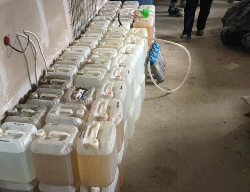 Припинили діяльність ще двох підпільних цехів з виготовлення алкогольних напоїв